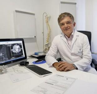 Avances en cirugía permiten intervenciones cada vez más precisas y seguras en la columna